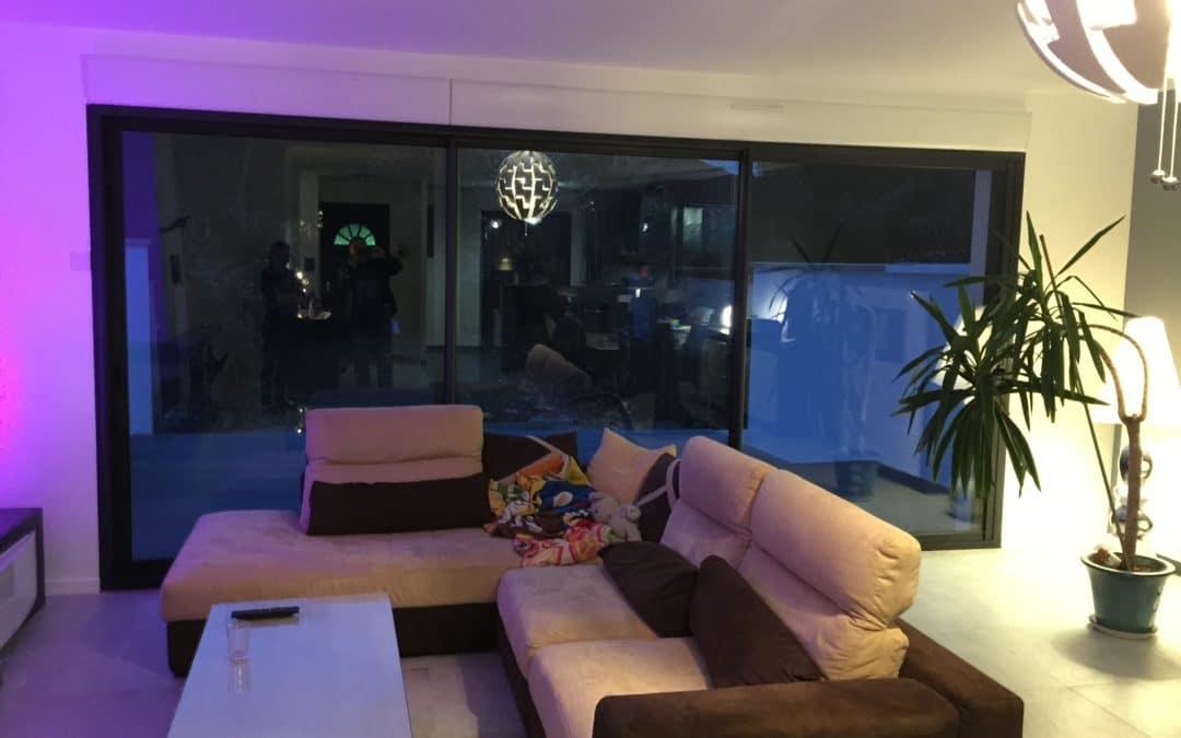 miroiterie yerroise- portes fenêtres aluminium 3 vantaux 3 rails ouverture deux tiers avec volets roulants électriques intégrés - Création d'une baie vitrée par la Miroiterie Yerroise. Rénovation fenêtres Yerres - Brunoy - Montgeron / Essonne